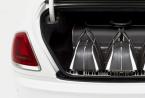 劳斯莱斯汽车公司设计了一套优雅的行李箱以补充幽灵这是有史以来最强大的劳斯莱斯汽车