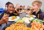 学校的福祉计划培养了整个家庭