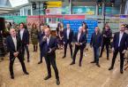 Turetsky合唱团和SOPRANO ART Group表演胜利之歌